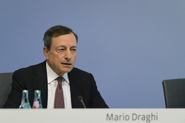 EZB lässt Zinsen unten und sieht Inflation steigen