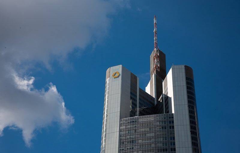 Commerzbank sieht Goldpreis am Jahresende wieder bei 1300$/oz
