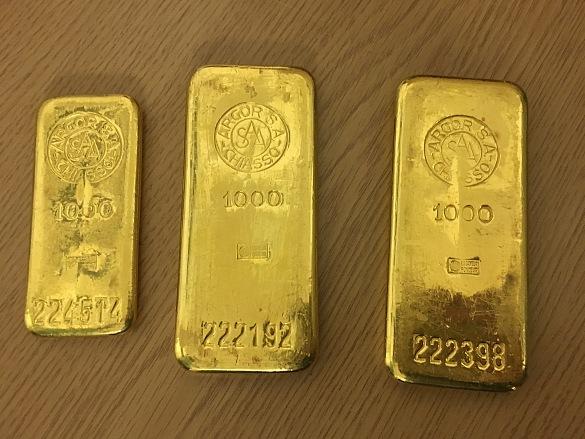 Bremer findet 2,5 Kilo Gold in altem Küchenschrank – 3 Goldbarren