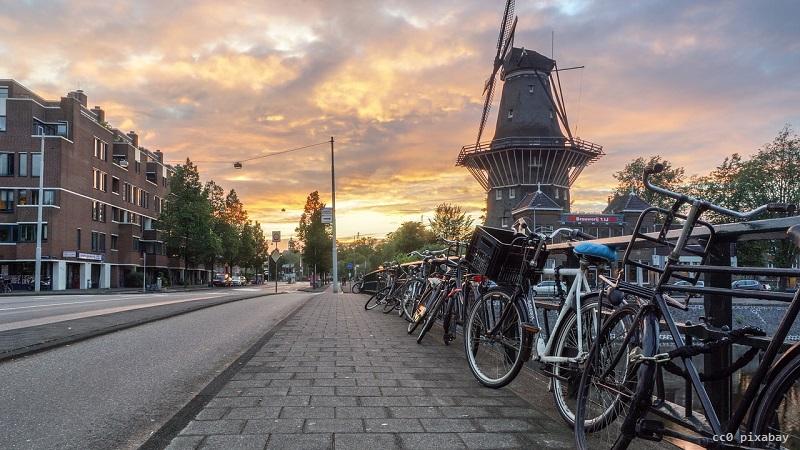 amsterdam-windmuehle-gold-pixabay